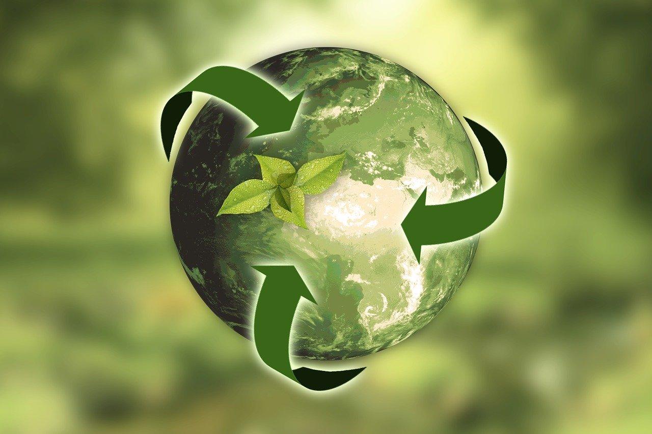 Lille grøn klode der symbolisere genbrug